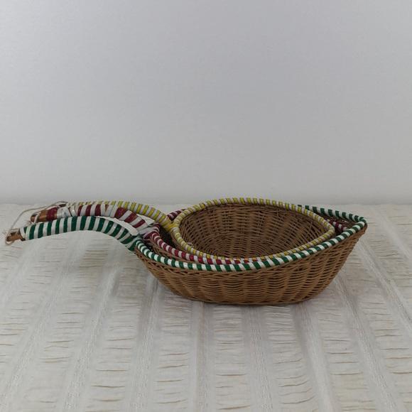 Vintage Set of 3 Wicker Nesting Hanging Baskets